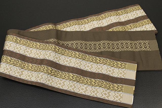 西村織物 結 博多織 正絹半幅帯 かがり仕立付 バティック 絹100% 茶