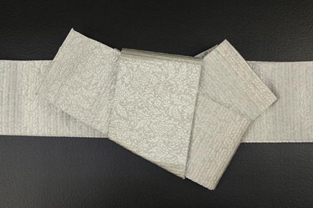 博多織 西村織物 角帯 正絹 道轍 織更紗 唐花文 灰