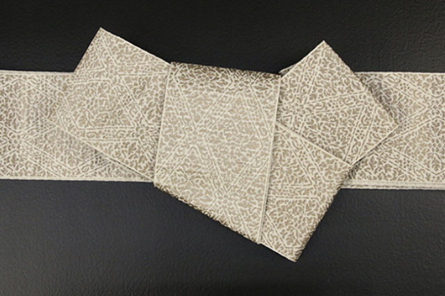博多織 西村織物 角帯 正絹 道轍 織更紗 六花菱 生成り色