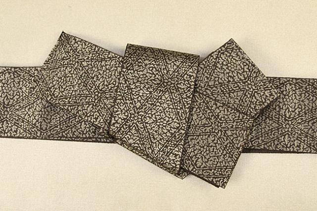 博多織 西村織物 角帯 正絹 道轍 織更紗 六花菱 茶