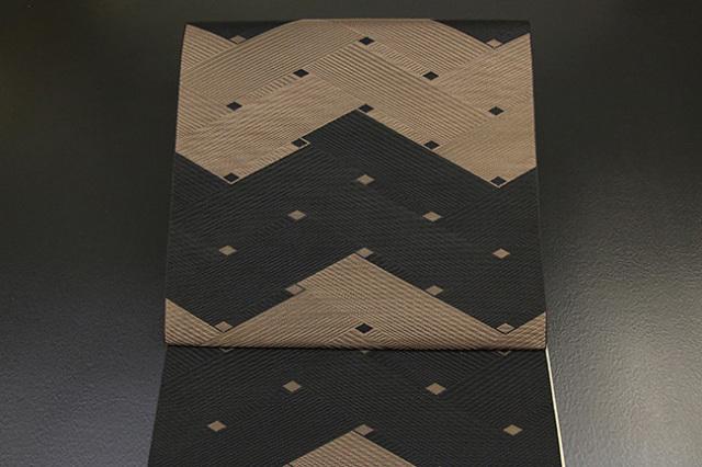 西村織物 博多織 チェック&ストライプ 八寸名古屋帯 正絹 黒×茶 お仕立て付き