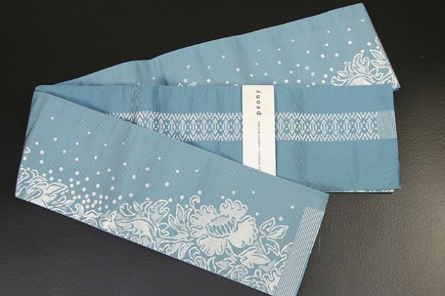 西村織物×KIMONO MODERN 博多織 正絹半幅帯 かがり仕立付 芍薬peony 水色