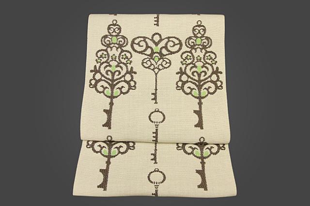 いまのいろ skala 正絹八寸帯 魔法の鍵 ベージュ×茶×黄緑 かがり仕立付き