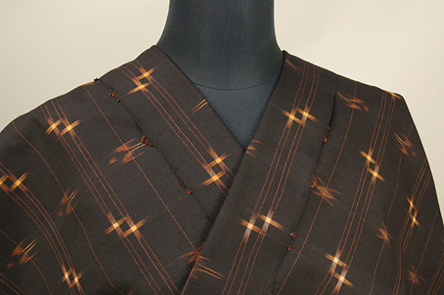 本場久米島紬 伝統的工芸品 正絹 草木染 泥染 手織