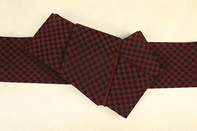 近賢織物 綿 角帯 宝来織 お仕立て付き 市松 赤×黒 リバーシブル