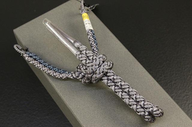 和小物さくら 男性用羽織紐 丸組 正絹 組紐 灰