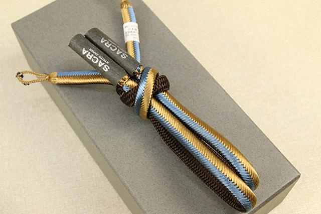 和小物さくら 男性用羽織紐 正絹 直付けタイプ 組紐 三色リバーシブル 金×水色×茶