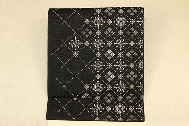 博多織 召しませ花 紋八寸名古屋帯 ダイヤ 黒