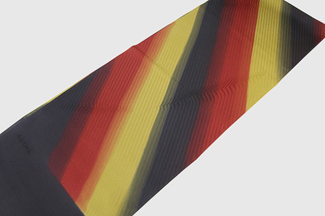 和小物さくら 帯揚げ 斜めストライプ 黒×赤×黄