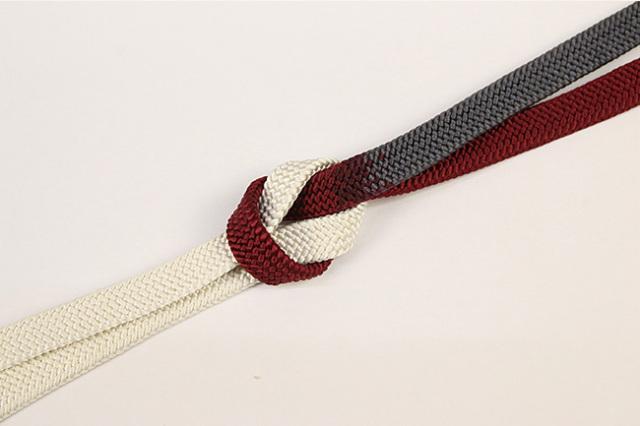 和小物さくら 帯締め 正絹 平組 白×赤×灰