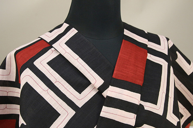 itomi浴衣(ゆかた) オーダー仕立て付き アイヌ文様風 黒×赤 ◆女性にオススメ◆