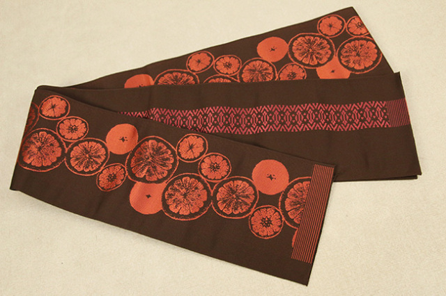 西村織物 結 博多織 正絹半幅帯 かがり仕立付 シトラス 絹100% 赤茶