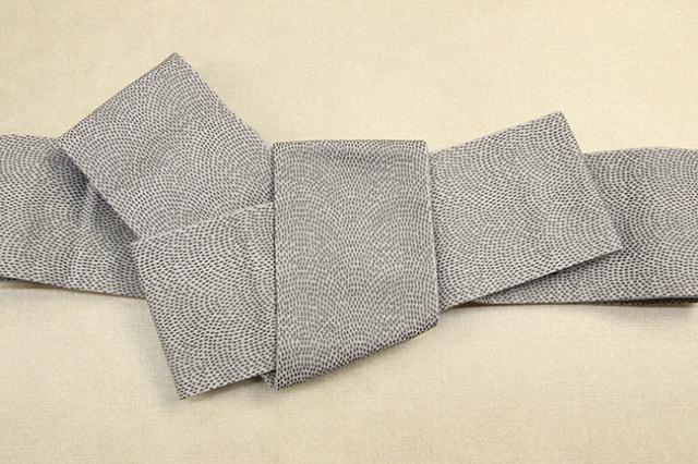 米沢織 近賢織物 角帯 遊粋 鮫小紋 灰