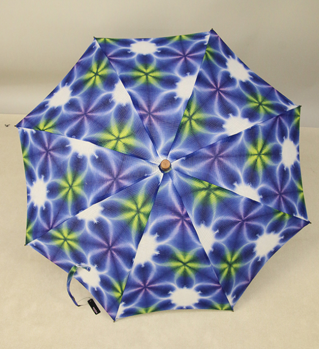 和小物さくら 雪花絞 日傘 UV加工 藤井絞綿麻紅梅生地使用 青×白