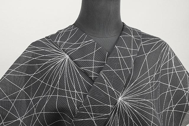 三勝 絹紅梅 染め着尺 オーダー仕立て付き 幾何学 花 黒◆女性にオススメ◆