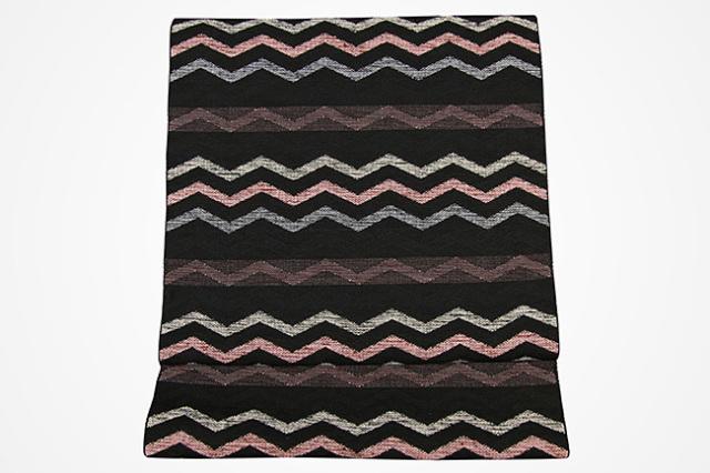 米沢織  彩華 八寸名古屋帯 ギザギザ 黒×ピンク お仕立て付き
