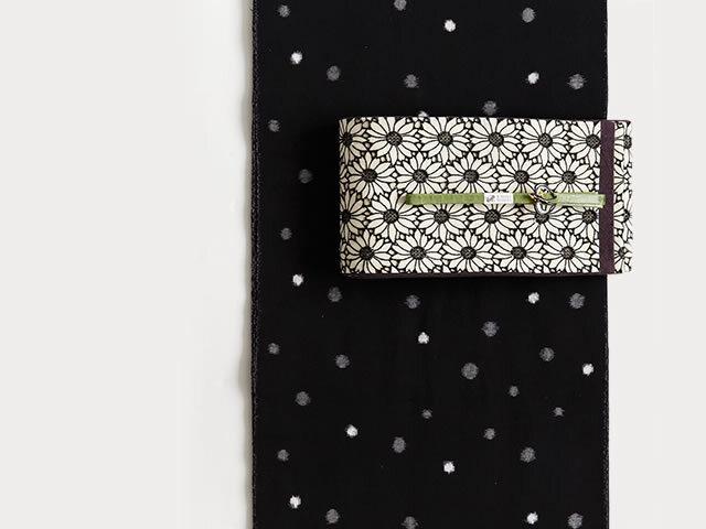 【久留米絣】ー現代的な色柄、昔ながらの伝統-ぼた雪(反物10月中旬お届け)