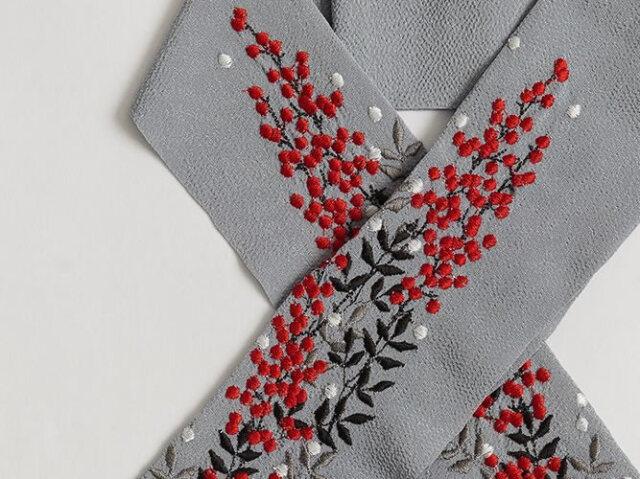 <ご予約会・送料無料>富士商会-ペタコさんの刺繍お半衿-南天(12月上旬お届け)