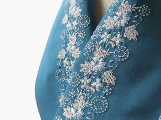 <ご予約品>富士商会 - ペタコさんの刺繍お半衿-チロリアンテープの花(12月上旬お届け)