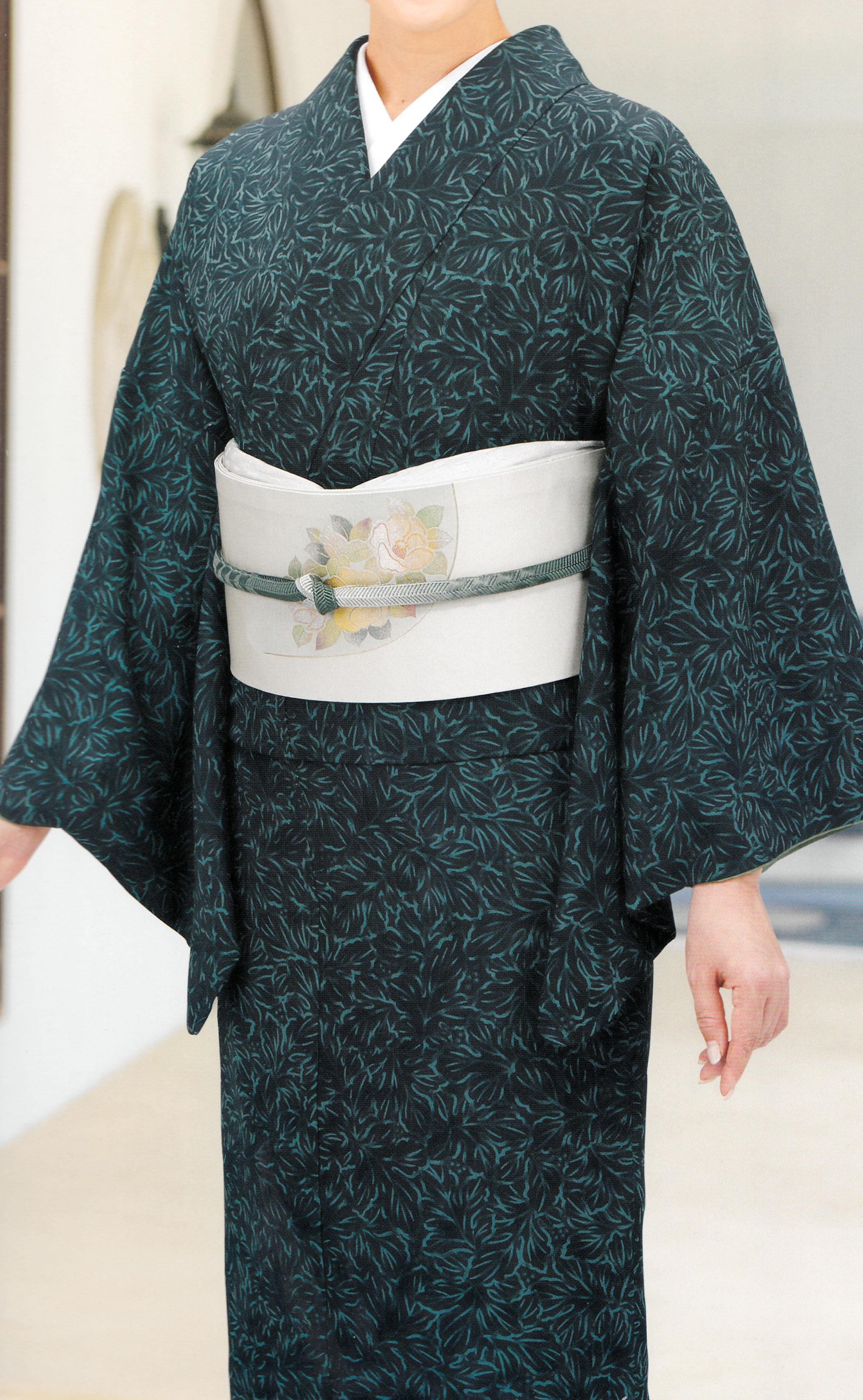 深緑臈纈調菊葉詰小紋