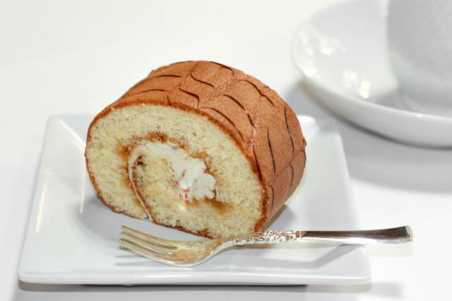 ロールケーキc
