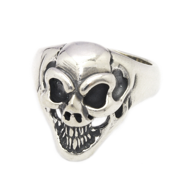 BWL(ビルウォールレザー) Small Good Luck Skull Ring R310