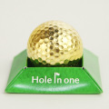 金ゴルフボール Hole in one