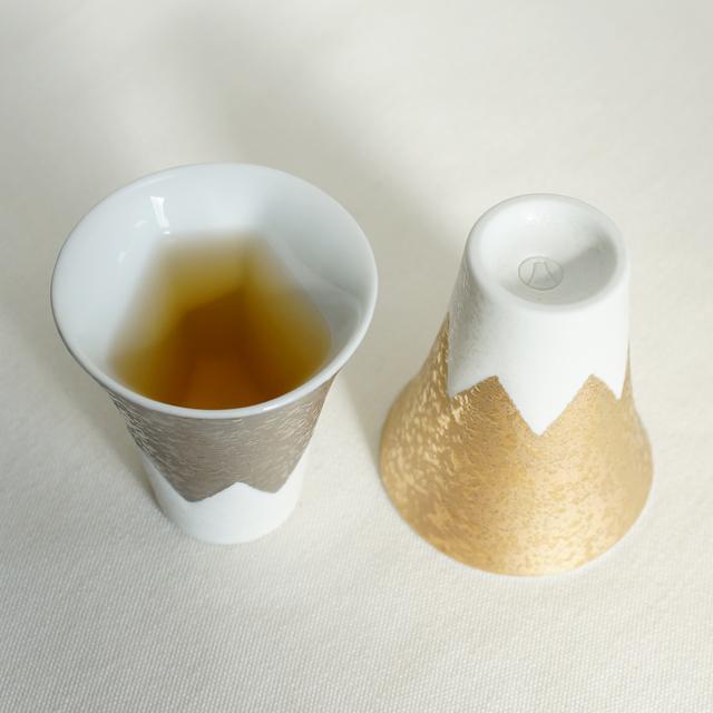 【和食器通販 金照堂】 富士山ショットグラス 金銀 記念品 お土産 外国 世界遺産