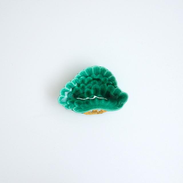 金彩緑交趾 松型小皿