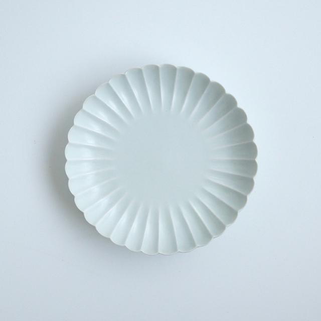 白マット 菊彫6寸皿