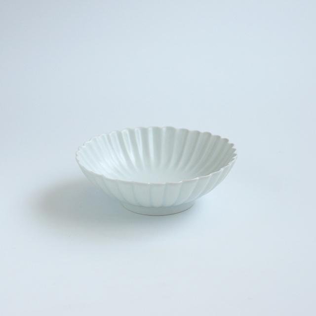 白マット 菊彫取鉢 (小)