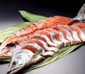 銀毛新巻鮭 (一切真空包装 姿戻し)