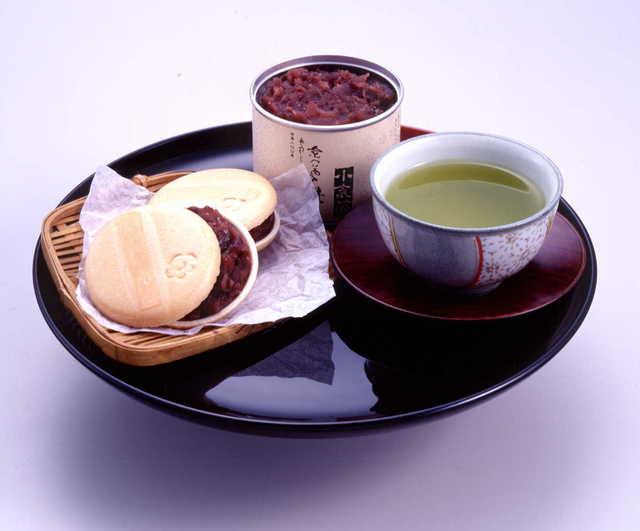 宇治茶とお手作り京番茶もなか