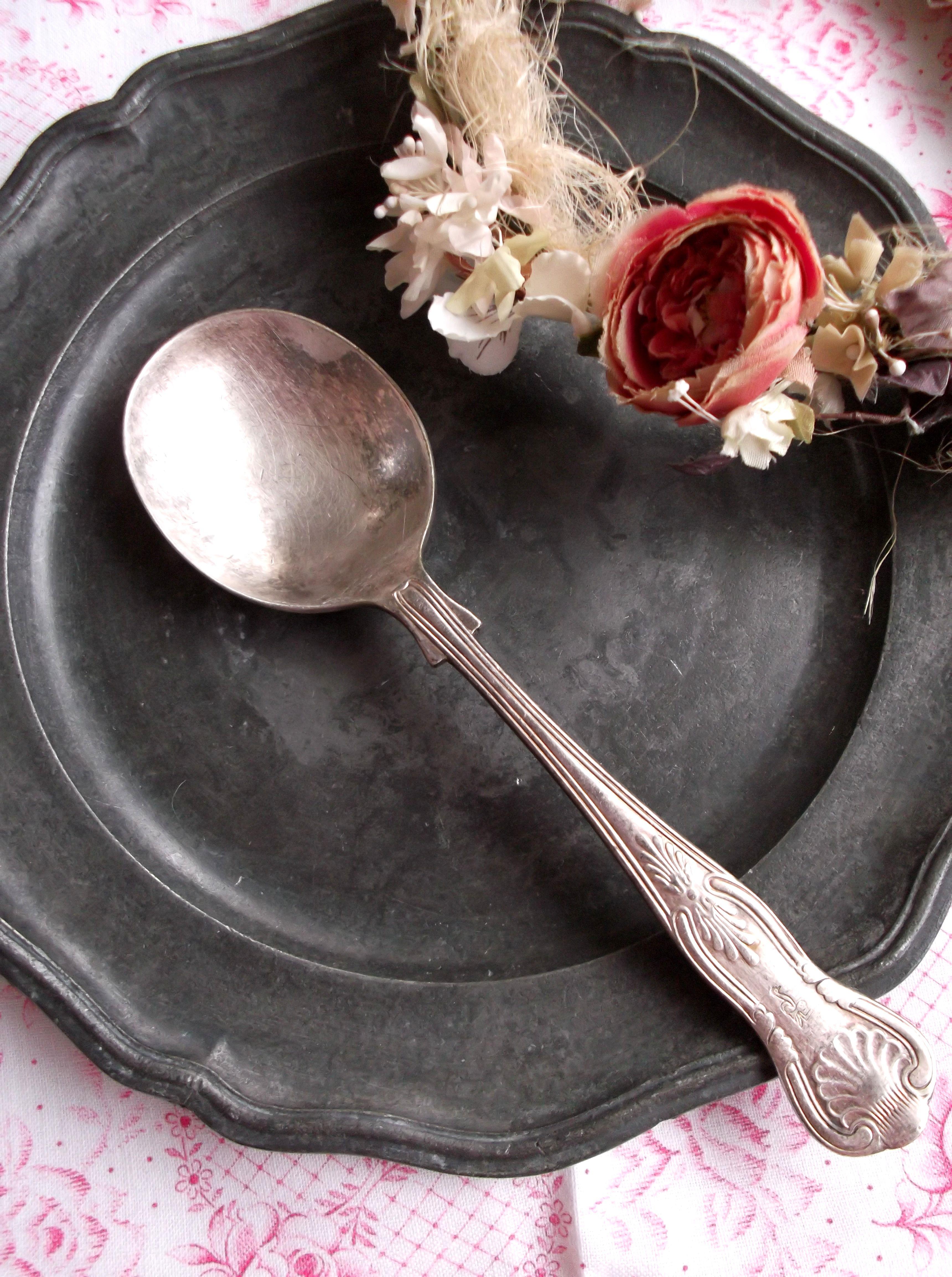 イギリスアンティーク シルバープレートシェル柄スープ用スプーン