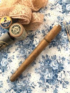 フランスアンティーク レース編み用かぎ針ケース 木製
