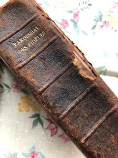 フランスアンティーク 古書 総革張りPAROISSAL DE S FIDELES & ホーリーカード 1911年