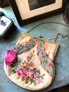 フランスアンティーク プティポワン花刺繍バッグ