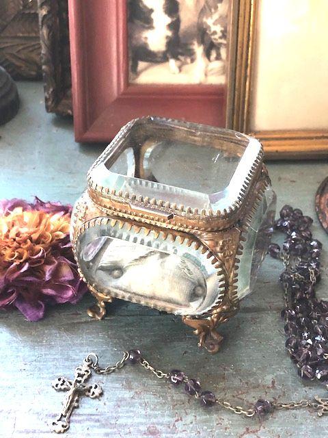 フランスアンティーク クリスタルガラスのジュエリーボックス