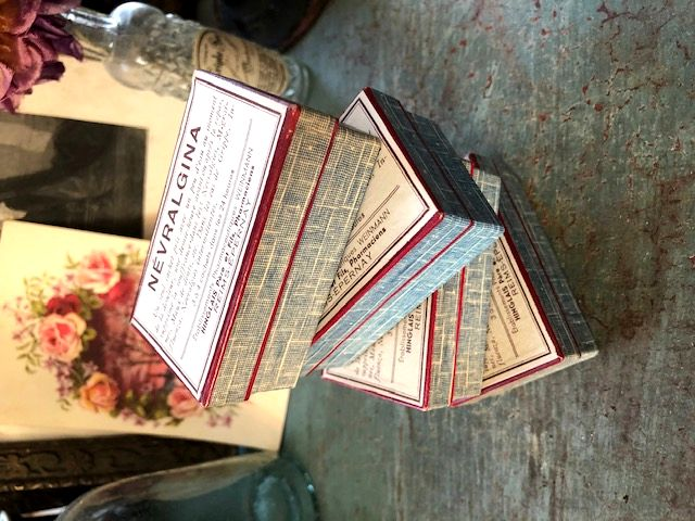 フランスアンティーク 薬の紙箱4pセット