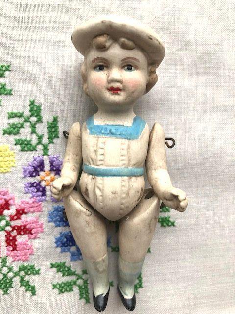 ジャーマンアンティーク ベレー帽の小さな女の子 ビスクドールB701 H10cm