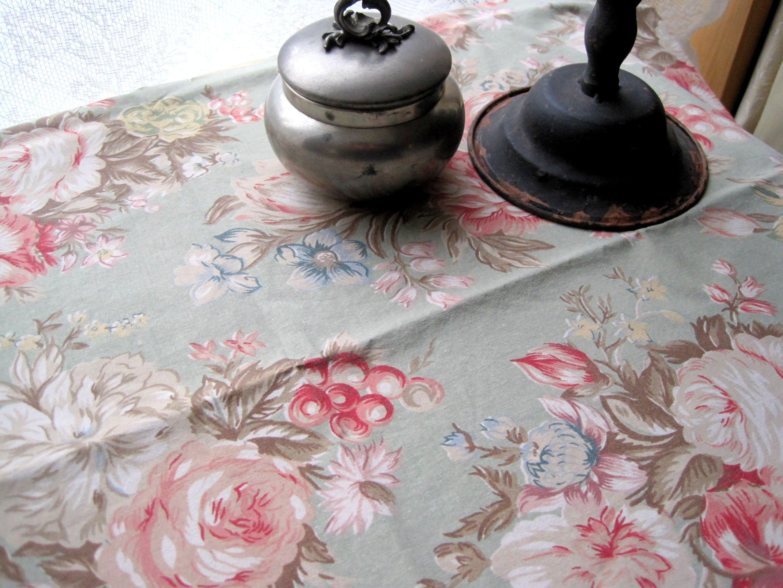 フランスアンティーク 花柄コットンファブリック 薄グリーン地