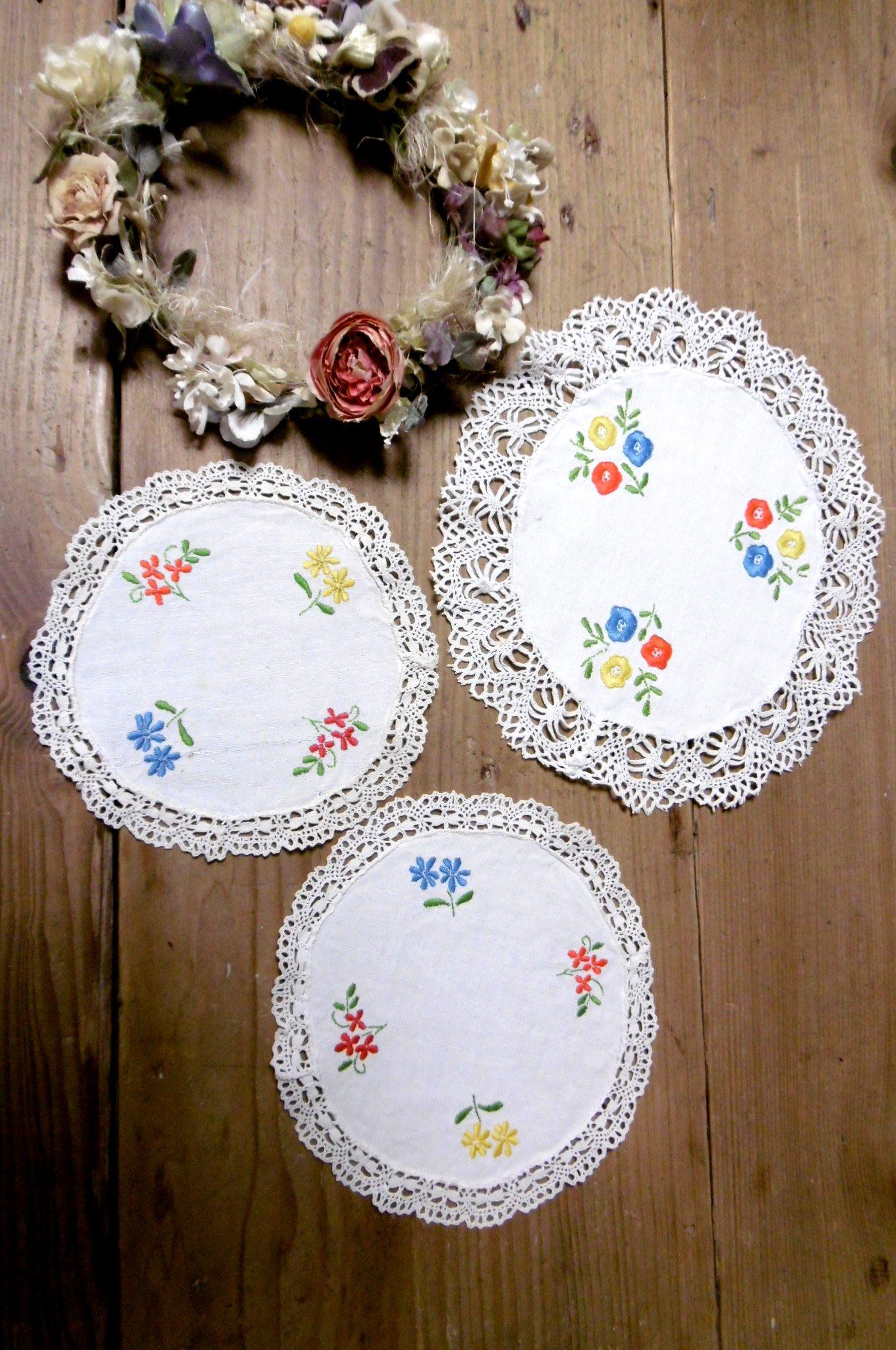 フランスアンティーク 花刺繍リネンドイリー3pセット