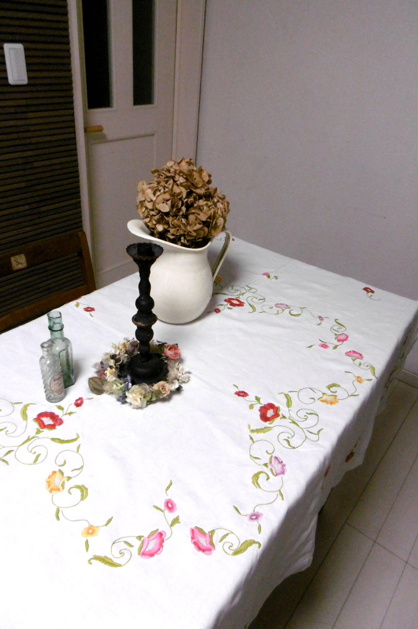 フランスアンティーク 花刺繍リネンテーブルクロス 正方形