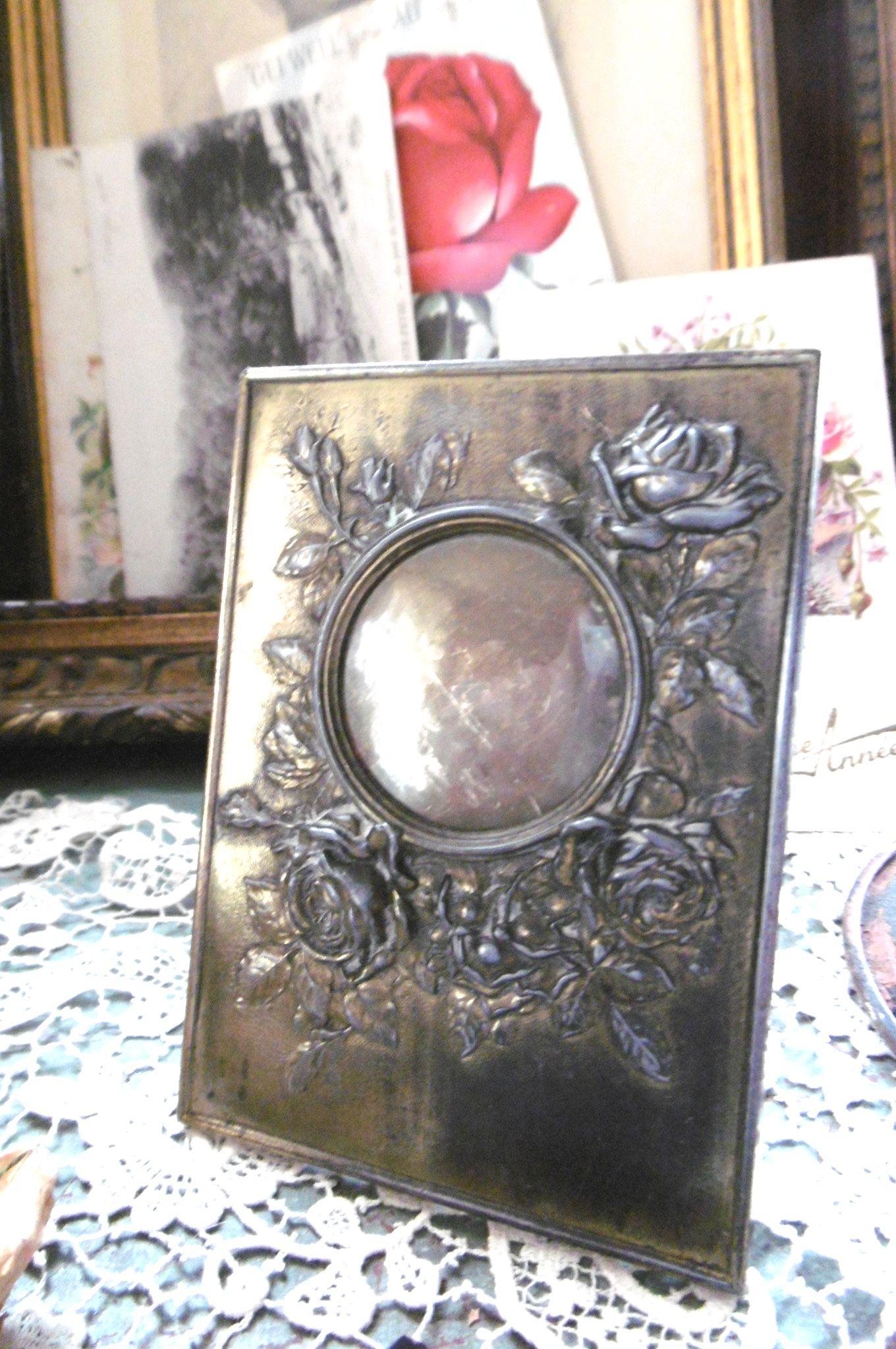 フランスアンティーク 小さな真鍮のフォトスタンド バラ