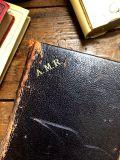 フランスアンティーク 総革張り讃美歌集 MANUEL PAROISSIAL モノグラム&ホーリーカード40枚付き