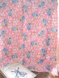 フランスアンティーク 花柄ファブリック ピンク地青バラ