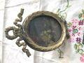 フランスアンティーク 小さなリボンの真鍮のフォトスタンド オーバル