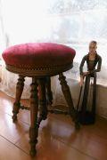 フランスアンティーク 木肌の美しいピアノスツール