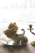 フランスアンティーク 美しいフォルムのソーシエール 白