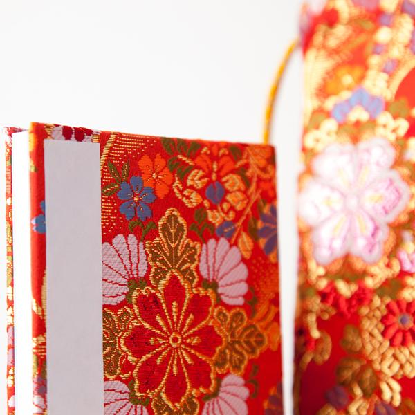 【御朱印帳袋セット】菊流れ乱れ咲きカラー箔入り希少金襴(京都西陣金襴 蛇腹 小型サイズ)
